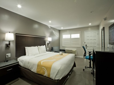 Quality Inn Hotel Hayward - Accessible King Deluxe