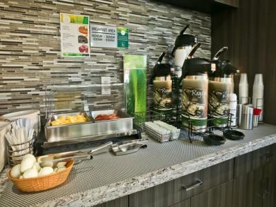 Quality Inn Hotel Hayward - Breakfast Area