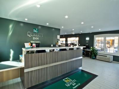 Quality Inn Hotel Hayward - Lobby
