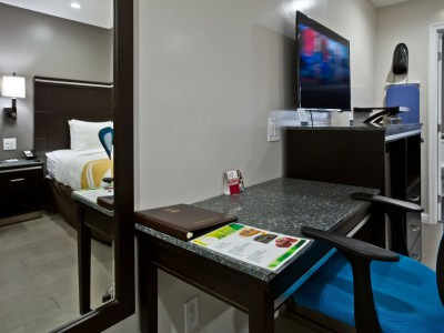 Quality Inn Hotel Hayward - Well-Appointed Guest Rooms