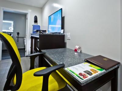 Quality Inn Hotel Hayward - Work Desk Area